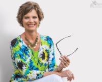Linda Treadway Headshot
