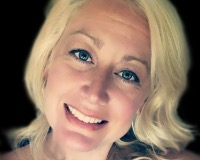 Jennifer Hackett Headshot