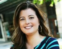 Melanie Carney Headshot