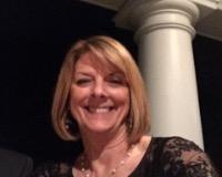 Debbie Reid Headshot