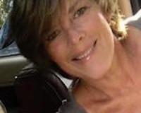 Beth Giordano Headshot