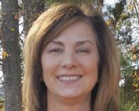 Kim Hostak Headshot