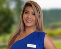 Adriana Mendez Headshot