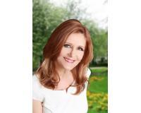 Donna Webb Headshot