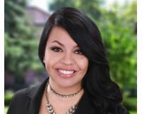 Idania Hernandez Headshot