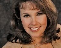 Cathie Gibson Headshot