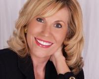 Deanna Hall Headshot