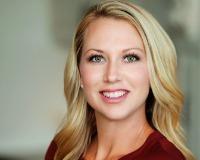 Lindsay DeKellis Headshot