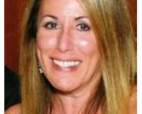 Lisa Derketsch Headshot