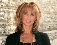 Lori Powell Headshot