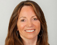 Connie Steinbach Headshot
