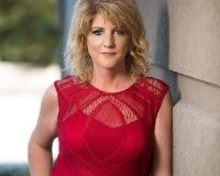 Kelly Bishop Headshot