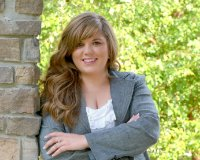 Danielle Sommers Headshot
