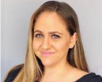 Ana Mendiola Headshot