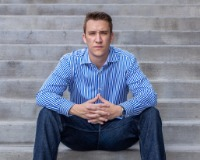 Jonathan Mueller Headshot