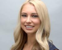 Chelsey Kade Headshot