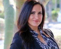 Adriana Hernandez Headshot