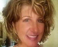 Pamela Hoidge Headshot