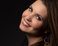 Jessica Thomas Headshot