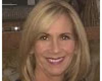 Linda Schleif Headshot