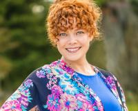 Stephanie Hibbard Headshot