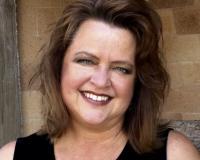 Jenni Middleton Headshot