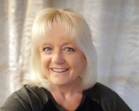 Linda Stevenson Headshot